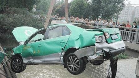 女司机考科目二, 一紧张开车飞出考场, 反赖教练赔偿50万元!