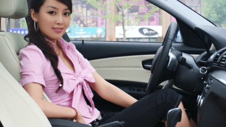 年轻富婆招聘男司机, 做到这四点, 700万豪车给开!