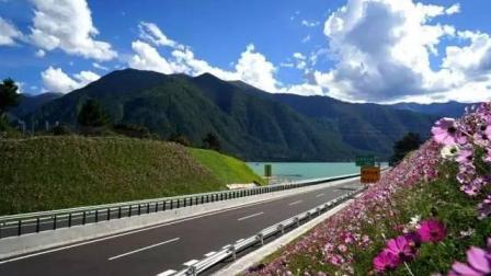 中国首条免费的高速公路, 耗资380亿, 堪称颜值最高的公路!