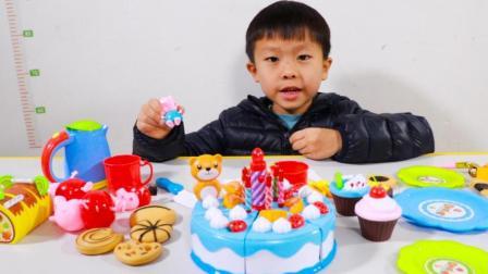 小猪佩奇过家家玩具, 玩切蛋糕庆祝生日快乐