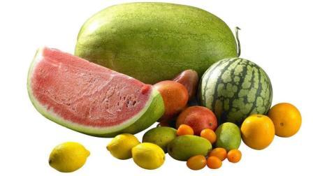 女人经期尽量少吃这三种水果, 否则污血排不出, 还会加重痛经!