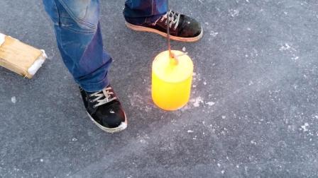 20000克烧红的铁块, 放到50厘米厚冰面上, 会发生什么情况呢?