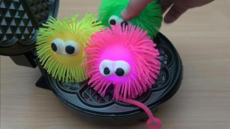 家用电饼铛的威力有多大? 看这3个毛毛球的下场就知道 切勿模仿