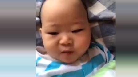 妈妈教宝宝喊妈妈, 宝宝却一直喊爸爸, 不耐烦的宝宝最后一句话亮了