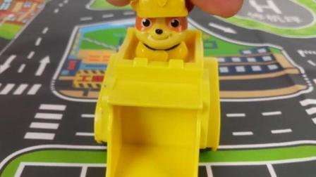 汪汪队立大功玩具汽车视频动画片! 儿童故事玩具合家欢