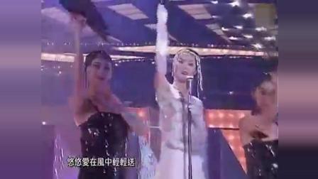 王菲早年在香港演出, 自伴舞演唱《晚风》王菲跳舞还是第一次见
