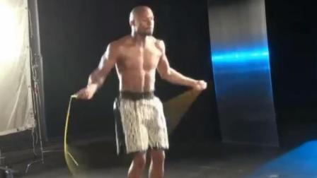 都说拳击手都是跳绳高手, 别不信, 世界拳王梅威瑟证明给你看