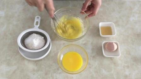 最简单的烘培饼干做法 学烘焙需要多少钱 纸杯蛋糕的做法视频