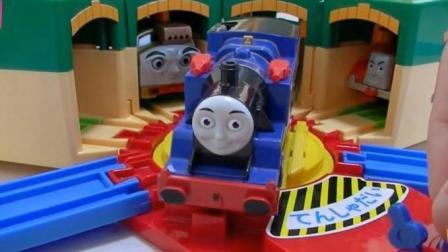 托马斯小火车玩具视频  托马斯和他的朋友们玩具动画视频69