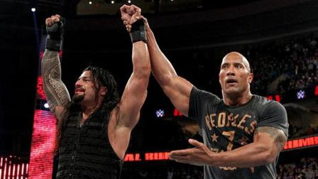 巨石强森重登WWE擂台, 暴揍大秀哥, 帮助表弟罗曼大帝夺冠!