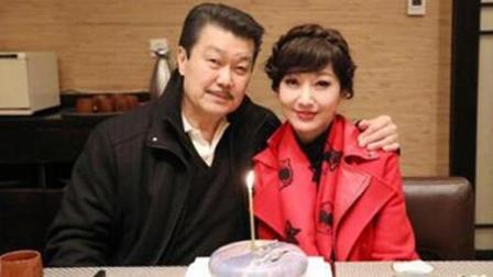 赵雅芝晒给老公庆生照片, 蛋糕成亮点! 网友: 这才是最好的爱情