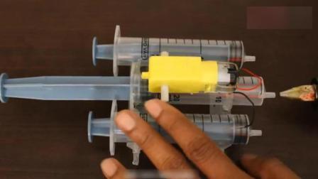注射器除了打针还能这样玩, 技术宅的脑洞真是够大的