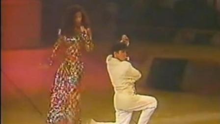 梅艳芳, 要求谭咏麟和她跳探戈, 两人台上好欢快, 台下林青霞乐开了花!