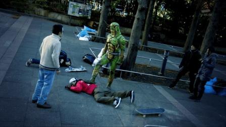 假面骑士OOO: 正义的使者! 我觉得这个造型是在向骑士一号致敬!