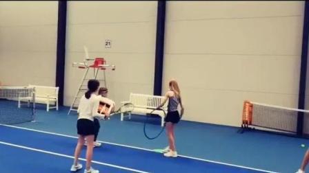 海特网球教学-少儿击球、呼啦圈和接球游戏