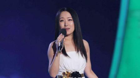 剧说很多婚礼都上播放杨钰莹《蔷薇处处开》, 再一次证明这首歌不愧为结婚神曲