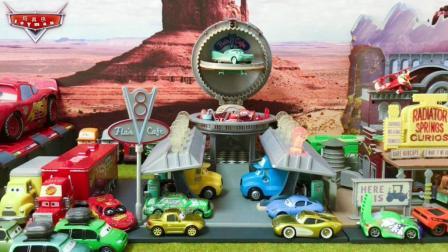 汽车总动员玩具试玩 美泰汽车总动员情景玩具芙蓉咖啡馆