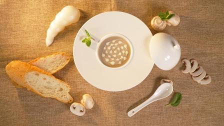 浓香四溢的西式经典奶油蘑菇汤