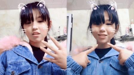 17岁小女孩神似王俊凯走红, 网友纷纷表示这是王俊凯穿了女装吗