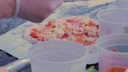 美国街头食品 - 意大利辣味香肠玛格丽特披萨 - 美国纽约