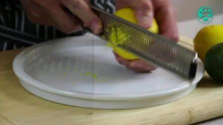 烘焙蛋糕学习技术 烤箱烤蛋糕要上下火吗 8寸生日蛋糕的做法