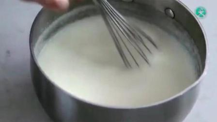面包机做面包的方法 蛋糕上抹的奶油怎么做 简单蛋糕做法用烤箱