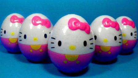 23个奇趣蛋里拆出不同的凯蒂猫玩具