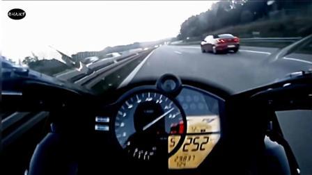 摩托车开到299时速, 其他车仿佛静止了, 雅马哈R1