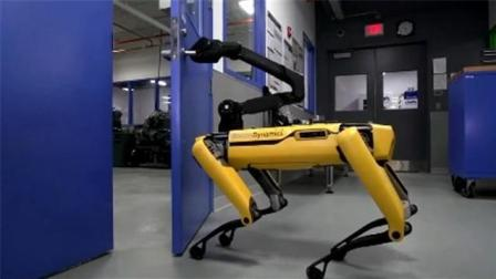波士顿动力机器人轻松开门动作熟练 网友惊呼: 细思恐极!