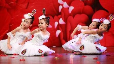 爱我你就抱抱我 小苹果儿童舞蹈视频儿童歌曲儿歌