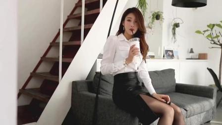 美女模特朴正允白衬衫黑丝职业装秀
