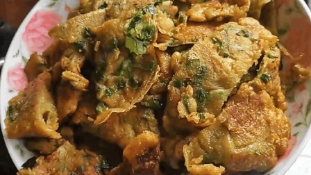 鸡蛋饼最简单的做法, 加入一点薯粉, 松软又有营养, 全家抢着吃!