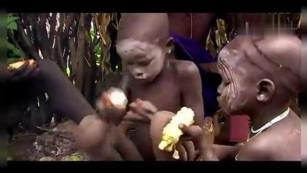 非洲原始部落, 女人嘴大如盆, 却是美丽的象征