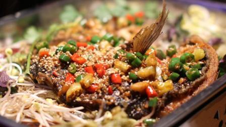 筷子视频: 烤鱼风靡玉林? 上桌的那一刻我才知道烤鱼的真谛, 口口真理!