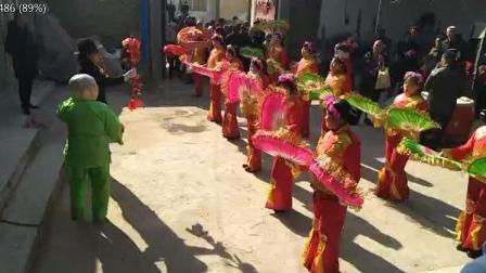 陕西阎良农村过年的秧歌队大头娃娃, 现在已经很少见了吧