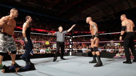 WWE超级大乱斗, 约翰塞纳联合心碎小子, 暴揍6壮汉!