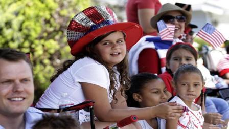 每年几百万人移民到美国, 为什么美国人口才3亿? 说出来你都不敢相信