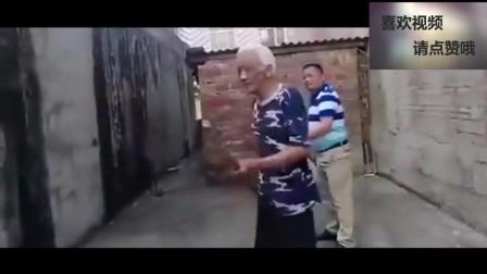 广西老一辈武术家的真功夫, 看过你敢说中国武术都是表演吗?