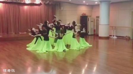 舞蹈《花儿为什么这么红》, 周雨奇老师排舞, 舞蹈和衣服真好看!