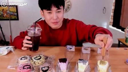 韩国豪放派吃播donkey哥哥吃各种各样的蛋糕