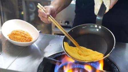 蛋包饭看起来制作很简单, 其实真的就是很简单!