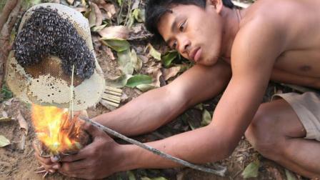 小伙隐居深山几年, 靠山上的野味充饥, 一个野蜂窝就能吃上8天!