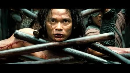 《拳霸3》饱受牢狱折磨后, 村民帮助以重获新生满腔杀敌怒火回归