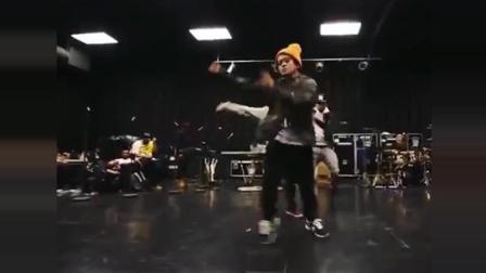 世界级骚气男人——火星哥! 舞蹈训练, 瞬间爆炸!