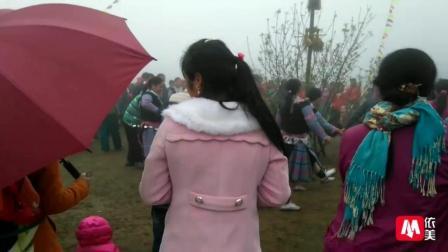 越南农村苗族传统打跳迎新春 这样的过年气氛好热闹