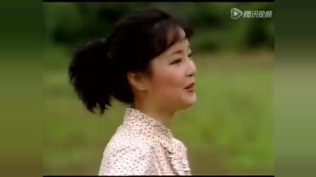 邓丽君82年演唱会《说说笑笑》, 女神真美