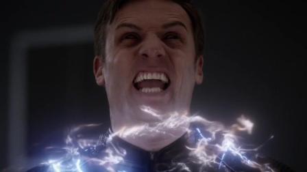 极速得到闪电侠神速后, 闪电侠差点被他掐死