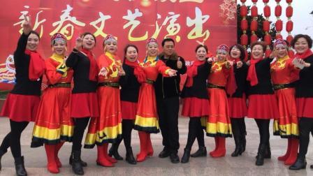 (四川什邡)阳春三月乐逍遥广场舞《爱我中华》舞台版7人, 大家都喜欢的简单易学最新广场舞舞台版