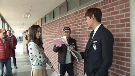 李敏镐、郑秀晶拍对手戏, 两人表演很到位, 一旁的朴信惠看乐了!