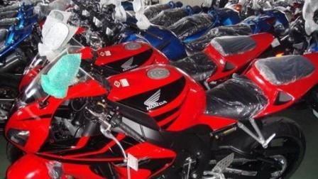 实拍: 震撼, 国产地平线摩托车跑车仓库!